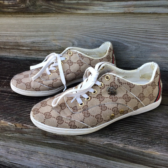 9ede3662c Gucci Shoes - Gucci Vintage Women s Monogram Hysteria Sneakers 7
